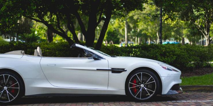 Det er blevet en trend at lease dyre biler som Jaguar til konfirmationer